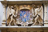 Europe/Suisse/Jura Suisse/ Neuchâtel: Détail porte sculptée  de la Maison des halles construite par Perroud en 1569 - Place des Halles