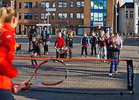 Februari 06, 2015, Apeldoorn, Omnisport, Fed Cup, Netherlands-Slovakia, Draw, Cityhall, streettennis with  Arantxa Rus<br /> Photo: Tennisimages/Henk Koster