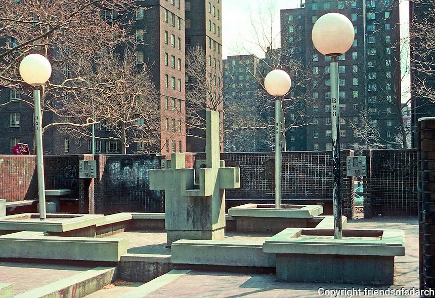 New York City: Riis Plaza, Jacob Riis Homes. Fountain turned off. Plaza, 1966 by M. Paul Friedlander & Simon-Breines. Photo '78.