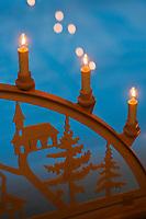 Europe/Finlande/Laponie:Env de Levi/Pöntsö: Détail de la décoration de la  Galerie d'Art de Reijo Raekallio, peintre, Galley Raekallio, Chambre et Table d'Hôte