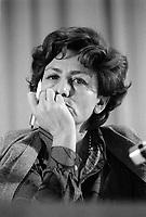Luciana Castellina durante il congresso di unificazione del gruppo del Manifesto col PDUP, Partito di Unità Proletaria (Bologna, 1976)