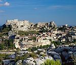 France, Provence, Les Baux-de-Provence: Town View | Frankreich, Provence, Les Baux-de-Provence: Ortsansicht