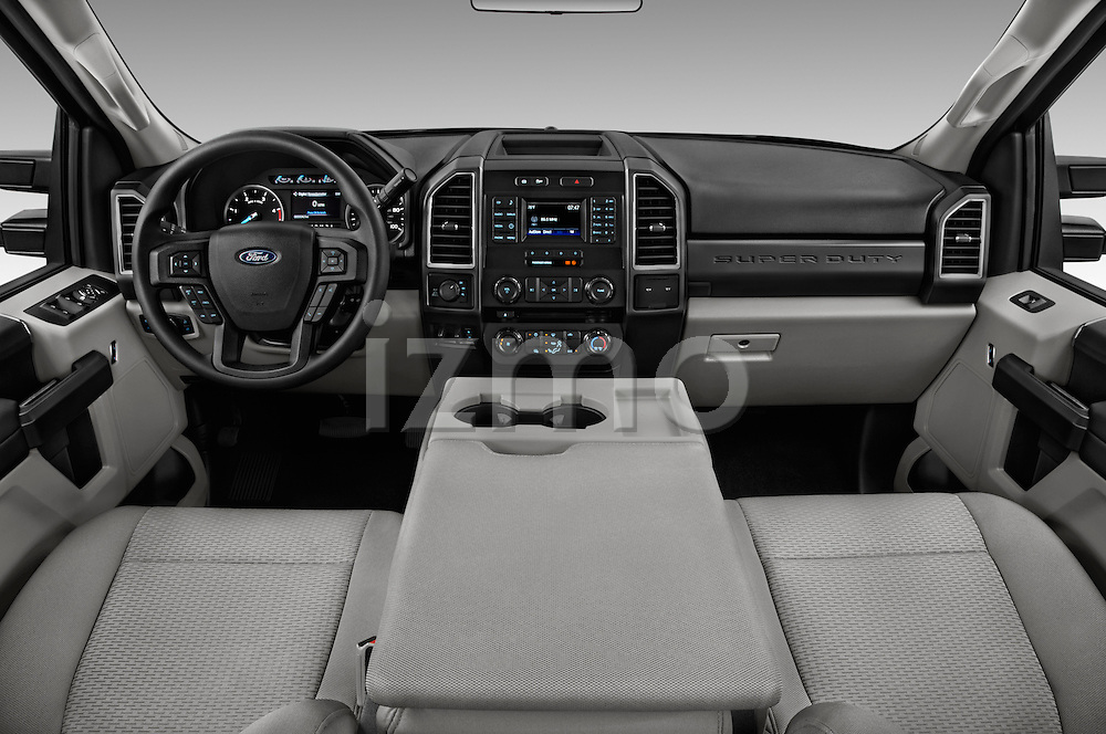 Stock photo of straight dashboard view of 2017 Ford F-250 XLT-Crew 4 Door Pick-up Dashboard