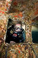 Lisa Hansen Exploring the wreck of the Chien Tong, Statia (St. Eustatius), Caribbean.