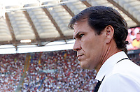 Calcio, Serie A: Roma vs Juventus. Roma, stadio Olimpico, 30 agosto 2015.<br /> Roma's coach Rudi Garcia waits for the start of the Italian Serie A football match between Roma and Juventus at Rome's Olympic stadium, 30 August 2015.<br /> UPDATE IMAGES PRESS/Riccardo De Luca