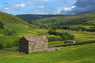 Great Britain, England, North Yorkshire, Yorkshire Dales National Park, Near Muker: View over the Swaledale valley | Grossbritannien, England, North Yorkshire, Yorkshire Dales National Park, Near Muker: Blick ins Swaledale valley
