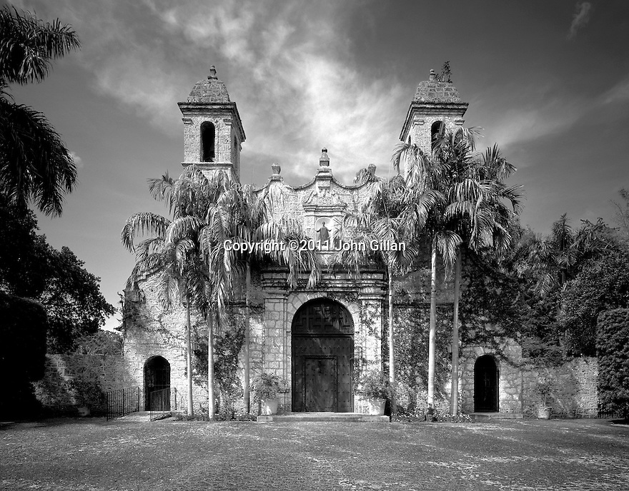 Places In Time-Historic Architecture and Landscapes of Miami.