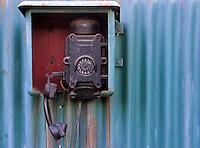 TSCHECHIEN, 07.2006 .Pribram.Altes Telefon des Uranberbergwerks Pribram. Der Uranbergbau in der frueheren Tschechoslowakei begann 1946 auf direkten Befehl der Sowjetunion, die das Material fuer ihre Atomruestung brauchte. Fast 40% der landesweiten Produktion kamen aus Pribram. Hierbei kamen politische Haeftlinge in eigens errichteten Lagern zum Einsatz. Die Arbeit war sehr gefaehrlich, Tausende fielen bis zur Schliessung der Gruben 1991 Unfaellen, Lungenkrebs und Strahlenkrankheiten zum Opfer..© Vaclav Vasku/EST&OST..Old telephone at one of the former uranium mines in Pribram. Uranium mining in former Czechoslovakia started in 1946 with a direct order by the Soviet Union which needed the material for its atomic bombs. Almost 40 % of the over all production was mined in Pribram. Political prisoners were sentenced to special labour camps built around the uranium mines.  Mining was very hazardous, thousands fell victim to accidents, lung cancer and radiation related illnesses until the closedown in 1991.