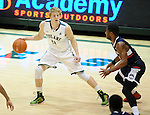 Tulane falls to UConn, 62-53, at Devlin Fieldhouse.
