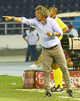 BARRANQUILLA - COLOMBIA ,13-07-2019: Alberto Gamero director técnico del Deportes Tolima ante el Atlétco Junior  durante partido por la fecha 1 de la Liga Águila II 2019 jugado en el estadio Metropolitano Roberto Meléndez de la ciudad de Barranquilla . / Alberto Gamero coach of Deportes Tolima agaisnt of  Atletico Junior during the  match for the date 1 of the Liga Aguila I 2019 played at Metropolitano Roberto Melendez Satdium in Barranquilla City . Photo: VizzorImage / Alfonso Cervantes / Contribuidor.