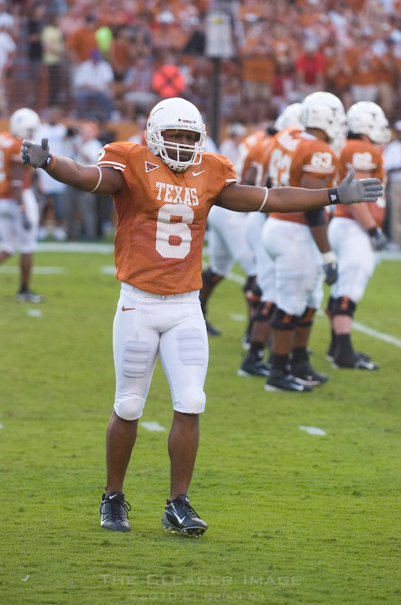 09 September 2006: Texas player Quan Cosby tries to pump up the crowd during the Longhorns 24-7 loss to the Ohio State Buckeyes at Darrell K Royal Memorial Stadium in Austin, TX.