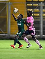 BOGOTA - COLOMBIA -21 -10-2016: Yessy Mena (Izq.) jugador de La Equidad disputa el balón con Yair Ibargüen (Der.) jugador de Boyaca Chico FC, durante partido entre La Equidad y Boyaca Chico FC, por la fecha 17 de la Liga Aguila II-2016, jugado en el estadio Metropolitano de Techo de la ciudad de Bogota. / Yessy Mena (L) player of La Equidad vies for the ball with Yair Ibargüen (R) player of Boyaca Chico FC, during a match La Equidad and Boyaca Chico FC, for the  date 17 of the Liga Aguila II-2016 at the Metropolitano de Techo Stadium in Bogota city, Photo: VizzorImage  / Luis Ramirez / Staff.