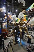 Nice, le 26 Janvier 2016 - La Maison du Carnaval : construction des tetes et des chars de Carnaval -