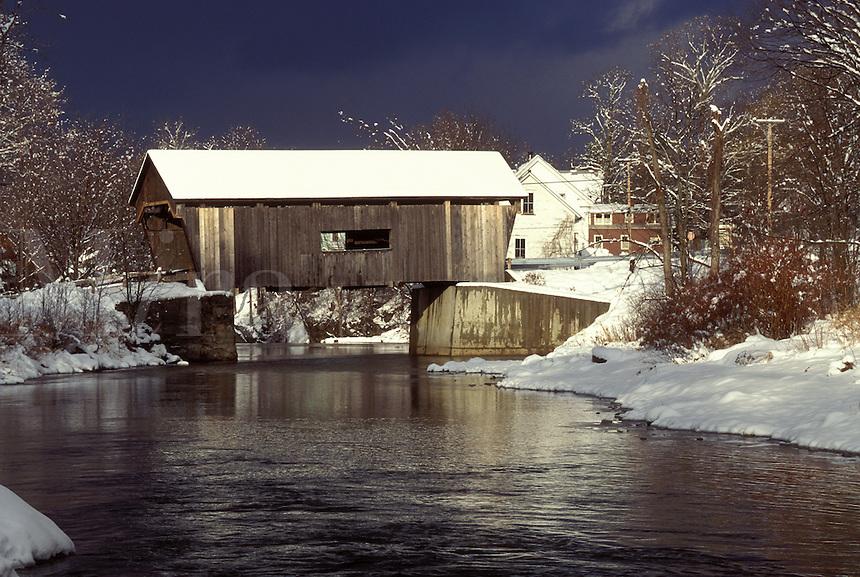 AJ1086, Vermont, covered bridge, Mad River Valley, Warren Covered Bridge, circa 1880, crosses over the Mad River in winter.