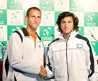 5-3-09,Argentina, Buenos Aires, Daviscup  Argentina-Netherlands, Draw, Thiemo de Bakker(l) speelt de tweede partij tegen Juan Monaco, kopman van Argentina de nr 56 van de wereld.
