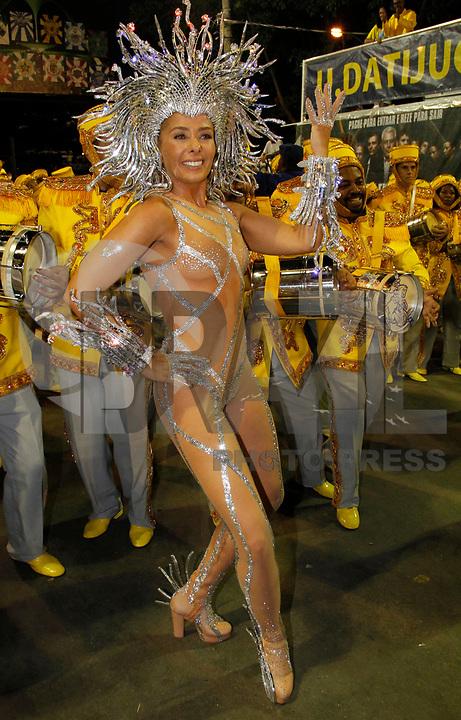 RIO DE JANEIRO, RJ, 07 DE MARÇO DE 2011 - CARNAVAL RJ - UNIDOS DA TIJUCA- Adriane Galisteu durante desfile da Unidos da Tijuca, no primeiro dia de Desfile das Escolas de Samba do Grupo Especial do Rio de Janeiro, na Marquês de Sapucaí (Sambódromo), no centro da cidade, na madrugada desta segunda-feira (7). (FOTO: VANESSA CARVALHO / NEWS FREE).