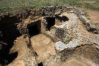 Grabkammer (Domus de janas) in der Nekropole Anghelu Ruju bei Alghero (Ozieri-Zeit 400-2700 v. Chr.), Provinz Sassari, Nord - Sardinien, Italien