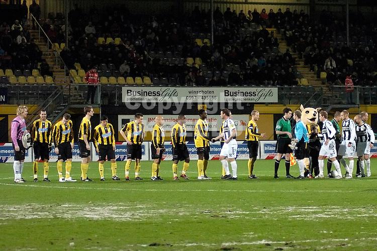 voetbal bv veendam - ado den haag jupiler league 25-01-2008.lin up bv veendam.fotograaf Jan Kanning