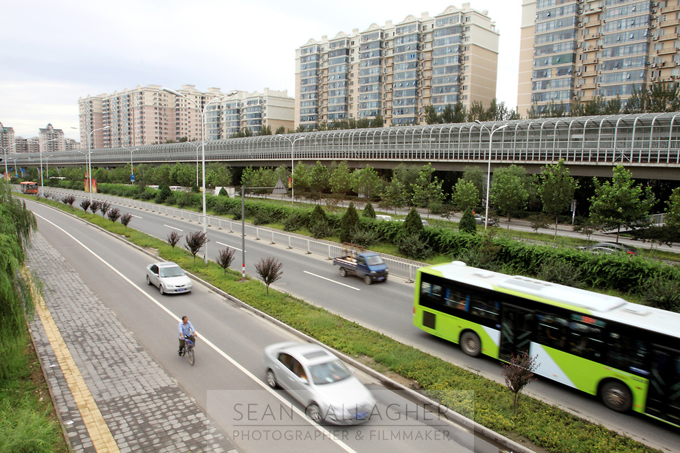 CHINA. Beijing. Highways and subway cross the Tiantongyuan subuarb, borth of the capital's centre.<br /> 2009