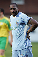Leroy Griffiths - Grays Athletic vs Thurrock - Nationwide Conference South at the New Rec - 01/01/05 - MANDATORY CREDIT: Gavin Ellis/TGSPHOTO