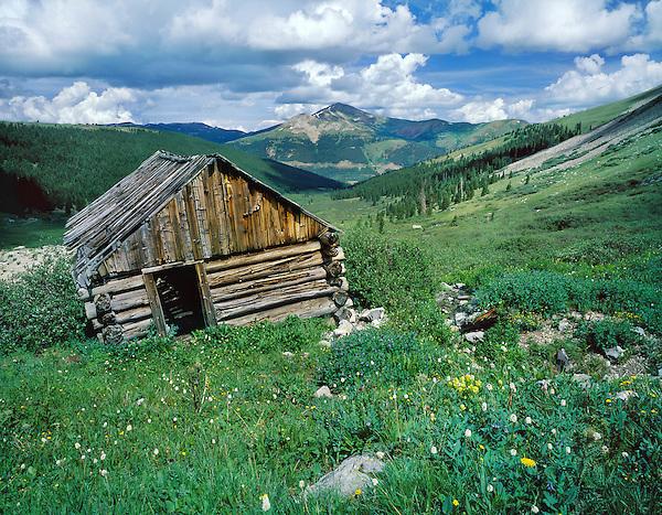Old miner's cabin in Mayflower Gulch near Dillon, Colorado, USA.