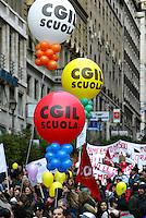 Roma 17/1/2004<br /> Manifestazione per la scuola, per la difesa del tempo pieno e contro la riforma Moratti (ministro della Pubblica Istruzione).<br /> Foto Andrea Staccioli Insidefoto
