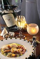 Gastronomie générale / Cuisine générale : Repas de Noël : Noix de Saint-Jacques, rondelles de homard et crevettes à la fondue d'endives avec un beurre de ciboulette- Accompagbé par un Alsace Resling