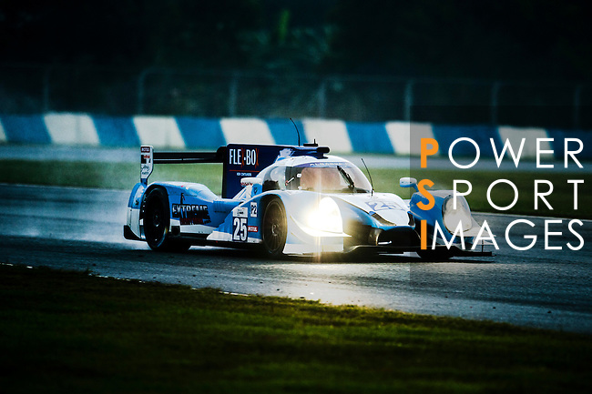 Algarve Pro Racing, #25 Ligier JSP2 Nissan, driven by Michael Munemann, Nicky Catsburg ad Andrea Pizzitola in action during Asian LMS Qualifying (LMP2, LMP3, CN) of the 2016-2017 Asian Le Mans Series Round 1 at Zhuhai Circuit on 29 October 2016, Zhuhai, China.  Photo by Marcio Machado / Power Sport Images