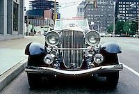 Cars: Dusenberg, head-on.  Photo '80.