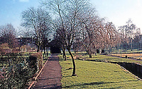 London: Hampstead Garden Suburb. Photo '90.