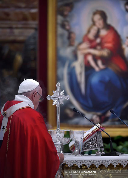 Pope Francis celebrates mass for decesed bishops and cardinals in St. Peter's Basilica at the Vatican.November 3, 2017
