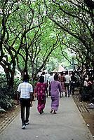 Singapore: Riverside park. Photo '82.