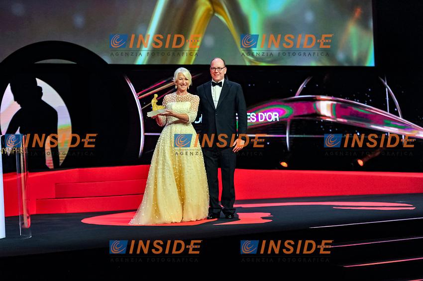 Remise du prix de Crystal Nymph par Mr  S A S Le Prince Albert II de Monaco a Dame Helen Mirren Monaco - 20/06/2017<br /> 57 festival TV Monte Carlo <br /> Foto Norbert Scanella / Panoramic / Insidefoto