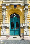HUN, Ungarn, Budapest, Stadtteil Obuda: Rathaus, Buergermeisteramt, Eingang am Foe ter (Foe Platz) | HUN, Hungary, Budapest, Obuda District; townhall, entrance at Foe Square (Foe ter)