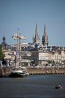 Europe/France/Aquitaine/33/Gironde/Bordeaux: les quais du Port de la Lune  et le Belem pour la Fête du Fleuve et Notre Dames des Chartrons - Quai des Chartrons