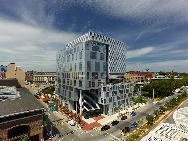 The John & Frances Angelos Law Center at the University of Baltimore | Behnisch Architekten