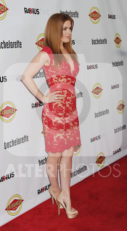 HOLLYWOOD, CA - AUGUST 23: Isla Fisher arrives at the Los Angeles premiere of 'Bachelorette' at the Arclight Hollywood on August 23, 2012 in Hollywood, California. /NortePhoto.com.... **CREDITO*OBLIGATORIO** *No*Venta*A*Terceros*..*No*Sale*So*third* ***No*Se*Permite*Hacer Archivo***No*Sale*So*third*