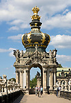 Deutschland, Freistaat Sachsen, Dresden: Zwinger, barockes Bauwerk, Kronentor (Detail) | Germany, the Free State of Saxony, Dresden: Zwinger Palace, baroque building, Crown Gate (detail)