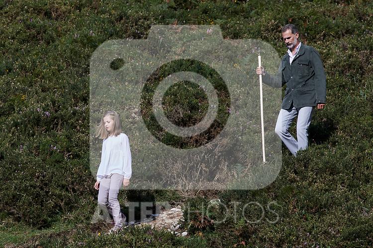 Princess Leonor of Spain and King Felipe VI of Spain visit the Enol lake in Asturias, Spain. September 08, 2018. (ALTERPHOTOS/A. Perez Meca)