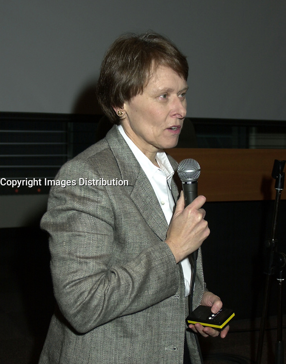 D&K :  Montreal, October 19, 2000<br /> Canadian Astronaut, Doctor, Scientist and Photographer, Dr. Roberta Bondar<br /> <br /> Photo © Pierre Roussel / Newsmakers - Liaison