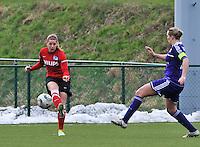 RSC Anderlecht Dames - PSV / FC Eindhoven : Marlou Peeters aan de bal.foto David Catry / Vrouwenteam.be