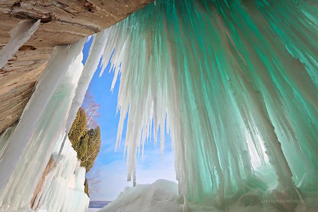 Grand Island, blue ice curtains