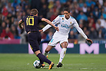 Raphael Varane of Real Madrid (R) fights for the ball with Harry Kane of Tottenham Hotspur FC (L) during the UEFA Champions League 2017-18 match between Real Madrid and Tottenham Hotspur FC at Estadio Santiago Bernabeu on 17 October 2017 in Madrid, Spain. Photo by Diego Gonzalez / Power Sport Images