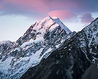 Sunset on Aoraki Mount Cook, highest mountain of Southern Alps, 3,724m, Aoraki, Mount Cook National Park, UNESCO World Heritage Area, Mackenzie Country, South Island, New Zealand, NZ