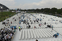 BOGOTÁ - COLOMBIA, 07-09-2017:  Se ultiman detalles para que el Papa Francisco realice su oficio religioso en el parque Simón Bolívar en Bogotá. El Papa Francisco realiza la visita apostólica a Colombia entre el 6 y el 11 de septiembre de 2017 llevando su mensaje de paz y reconciliación por 4 ciudades: Bogotá, Villavicencio, Medellín y Cartagena. / Last fixes to Pope Francisco made his mass at Simon Bolivar park in Bogota. Pope Francisco makes the apostolic visit to Colombia between September 6 and 11, 2017, bringing his message of peace and reconciliation to 4 cities: Bogota, Villavicencio, Medellin and Cartagena. Photo: VizzorImage / Gabriel Aponte / Staff