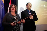 Sylvie Vachon et le maire Denis Coderre remettent la canne a pommeau d'or du Port de Montreal le 5 janvier 2015, <br /> <br /> photo : Agence Quebec Presse