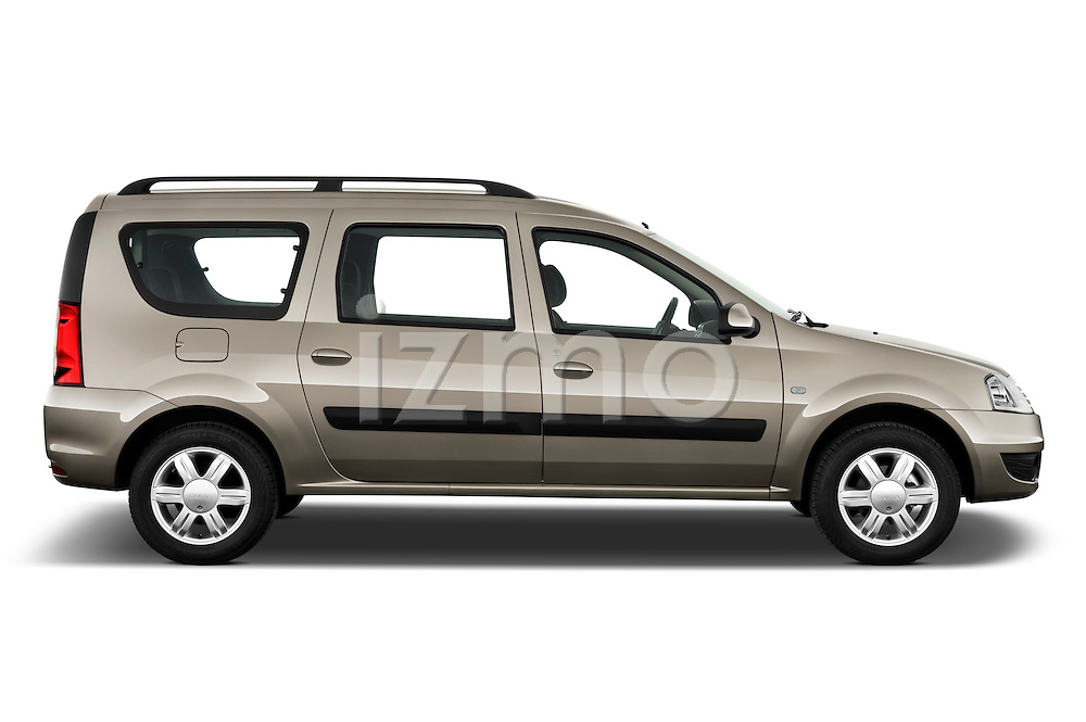 Passenger side profile view of a 2009 Dacia Logan Laureate Minivan.
