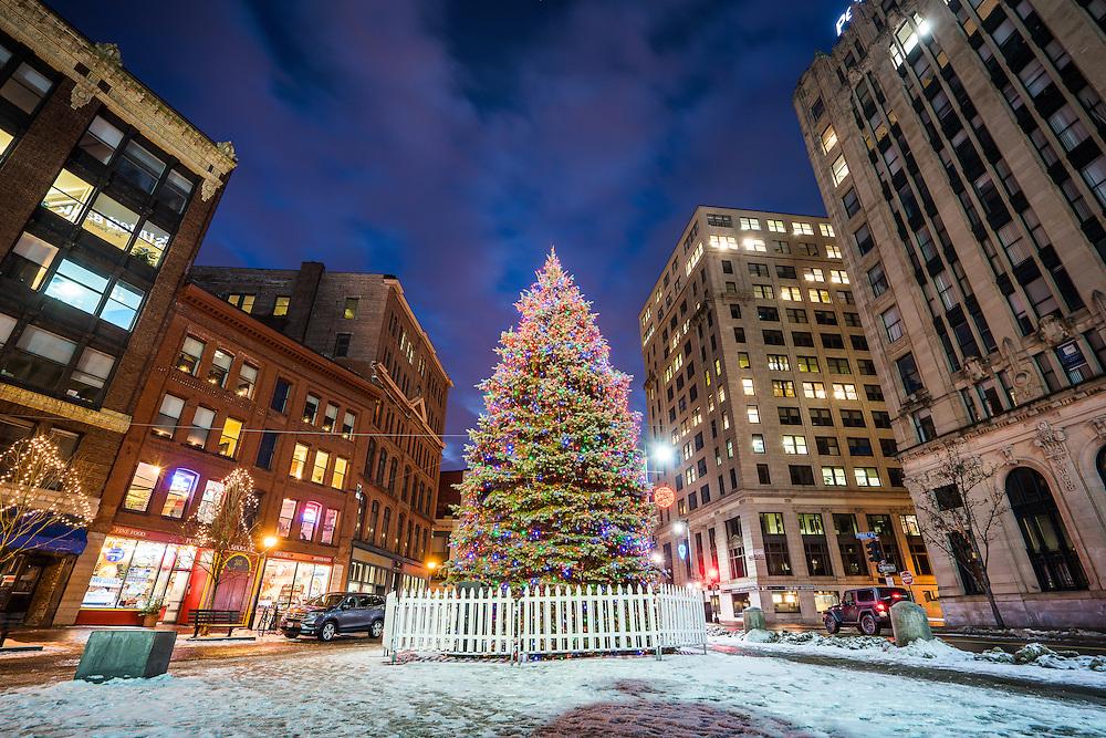 Portland Maine Monument Square Christmas Tree 2021 Monument Square Tree Coast Of Maine Photography By Benjamin Williamson