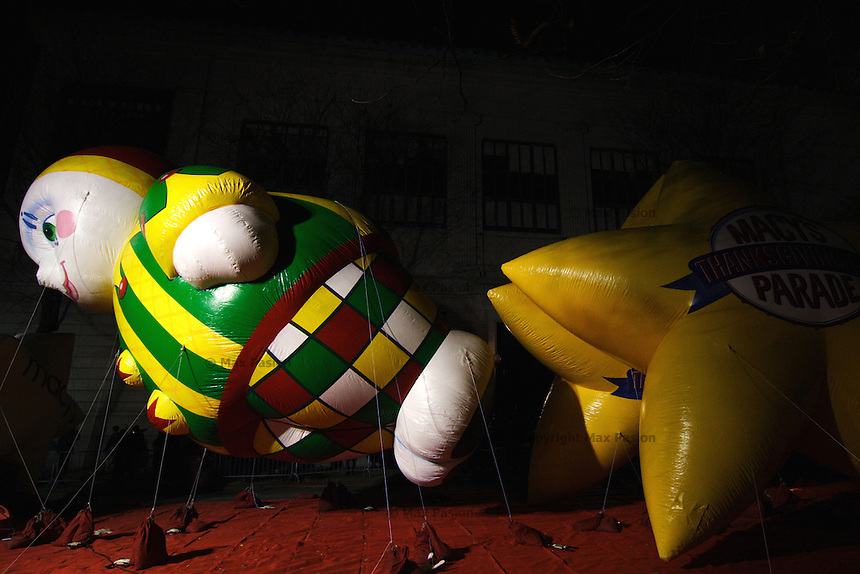 Humpty Dumpty balloon on the eve of the Macy's Thanksgiving Day parade; West 81st Street at Central Park West; 7:46pm; 23Nov2005