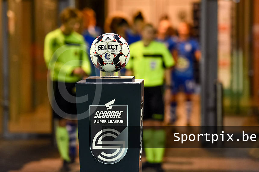 match ball pictured before a female soccer game between  AA Gent Ladies and Standard Femina de Liege on the 8 th matchday of the 2020 - 2021 season of Belgian Scooore Womens Super League , friday 20 th of November 2020  in Oostakker , Belgium . PHOTO SPORTPIX.BE | SPP | STIJN AUDOOREN
